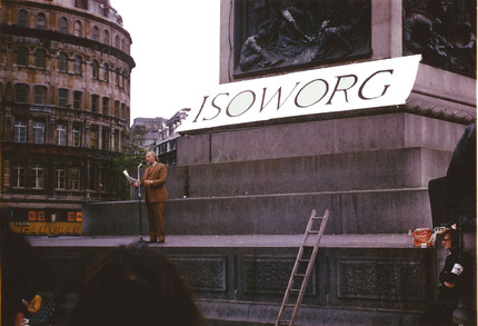 Henry giving his Isoworg speech in Trafalgar Square