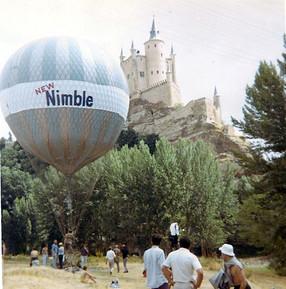Nimble balloon with small banner