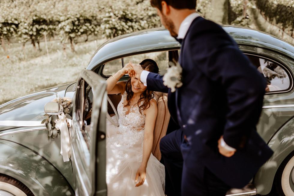Brautpaarshooting beim Seeburghof mit Oldtimer VW Käfer 5