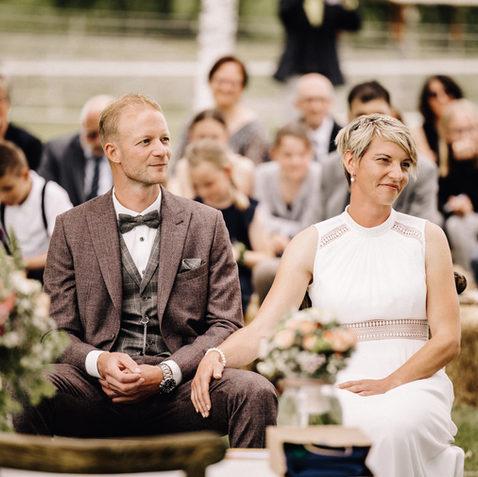 Freie Trauung Bauernhof-Fotograf-Hochzeit
