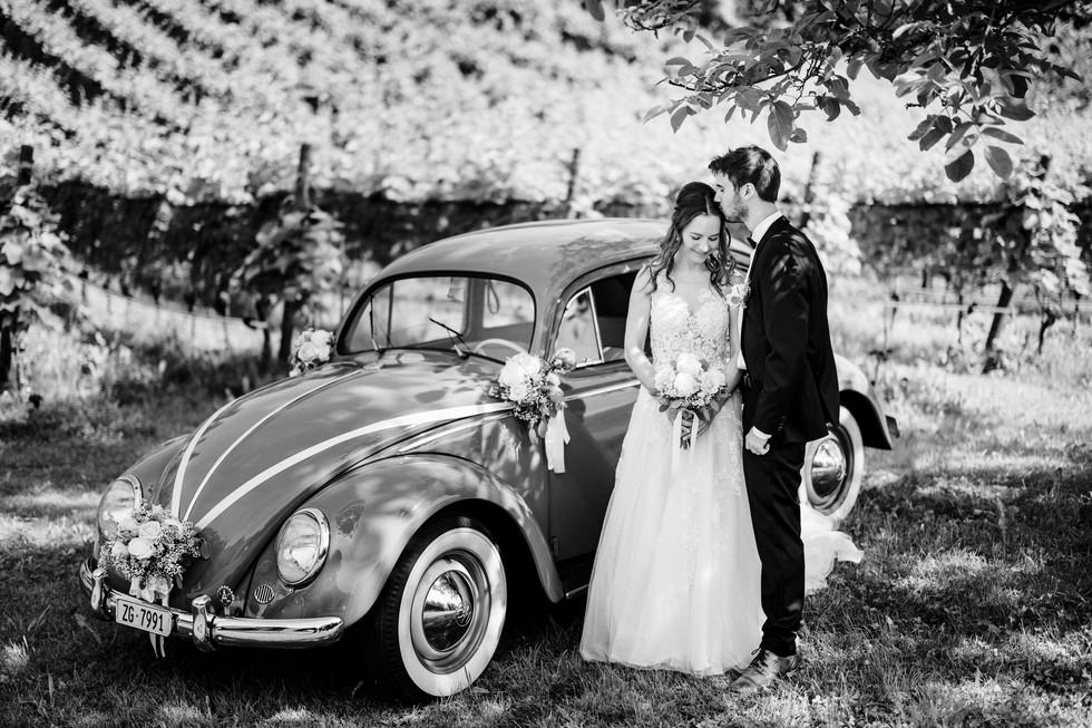 Brautpaarshooting beim Seeburghof mit Oldtimer VW Käfer