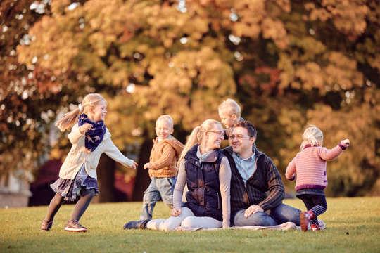 Outdoor Familien Fotoshooting - Familienfotograf Daniel Dynta