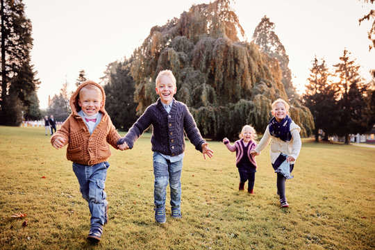 Outdoor Familien Fotoshooting - Familienfotograf Zentralschweiz