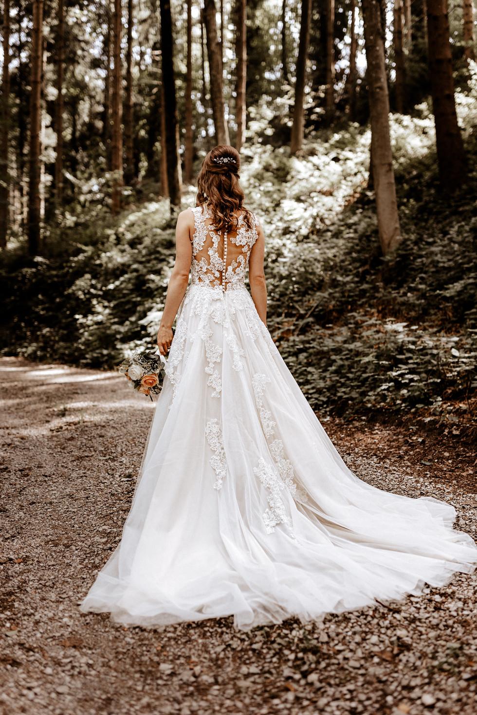 Brautpaarshooting beim im Wald 11
