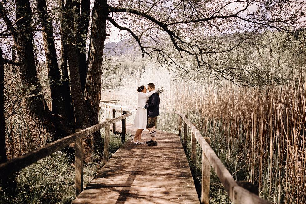 Hochzeitsfotograf Luzern - Hochzeitsshooting natürliche und ungestellte Bilder von euerer Hochzeit.jpeg