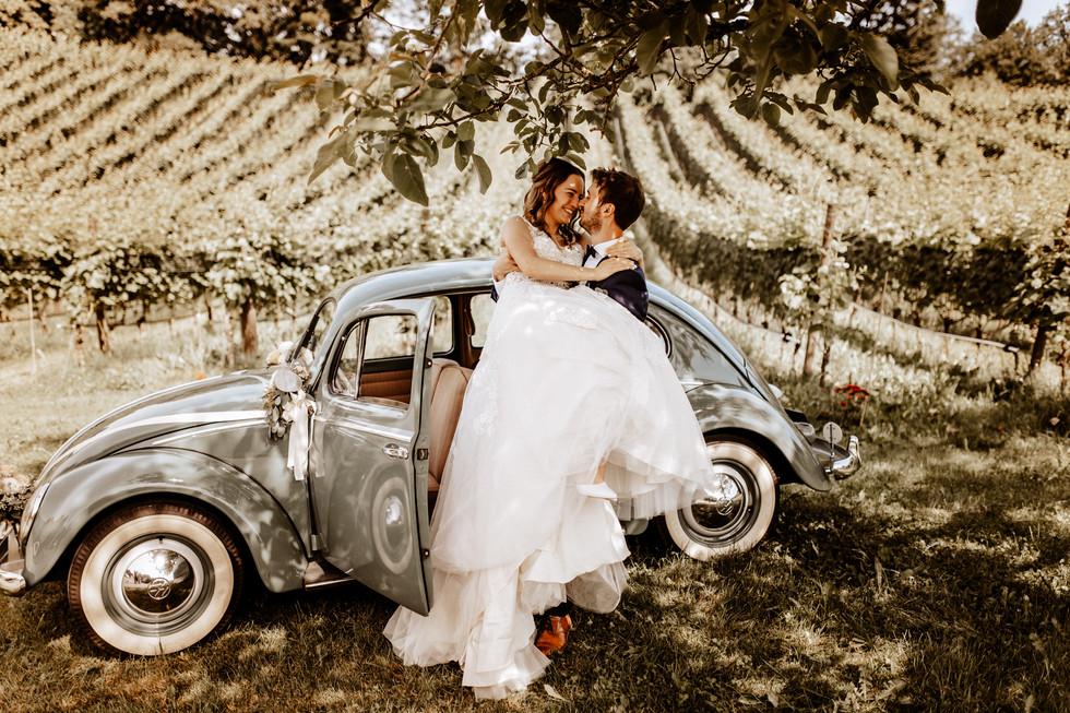 Brautpaarshooting beim Seeburghof mit Oldtimer VW Käfer 6