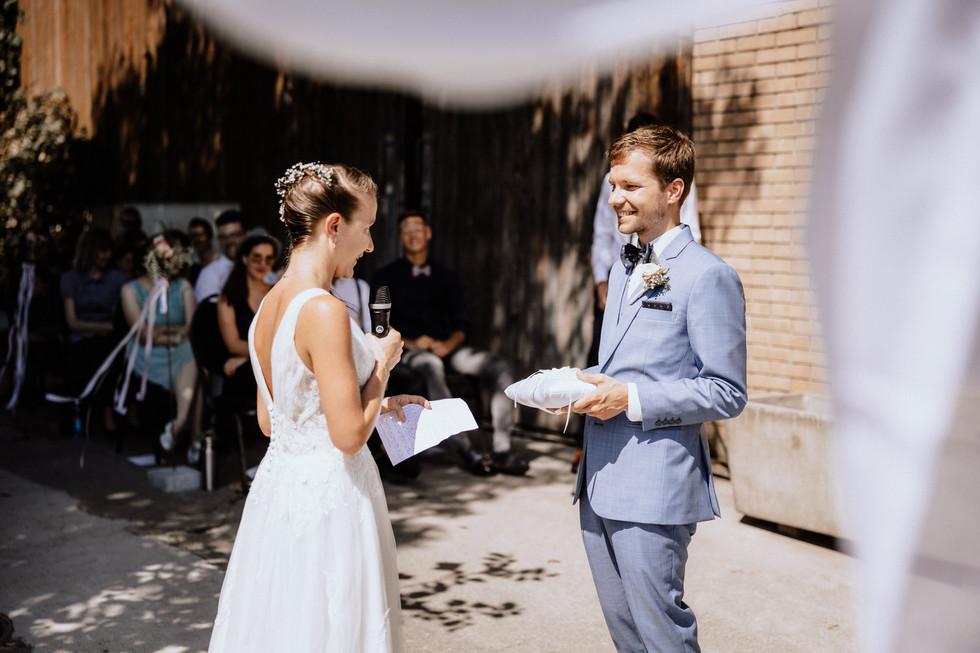 Hochzeitsfotograf Meggen Luzern- Bioweingut Sittenrain-33.jpg