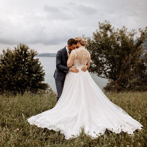 Brautpaarshooting Vitznau Floraalpina-natürliche Brautpaarfotos 4.jpg