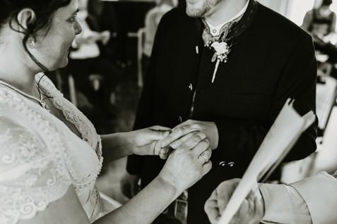 Hochzeitsfotograf Luzern-Zentralschweiz-Ringübergabe