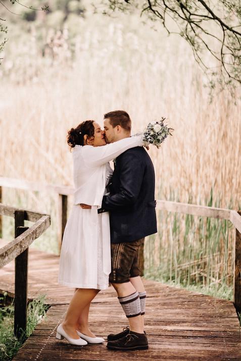 Hochzeitsfotograf Luzern-Zentralschweiz-romantische Küsse