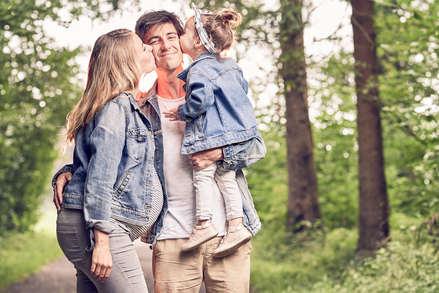 Familienfotograf Babybauch Fotoshooting Daniel Dyntar Luzern