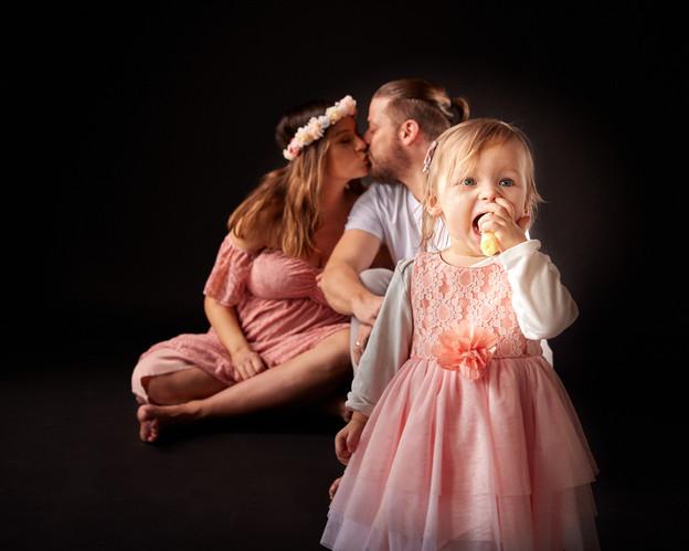 Süsse Familienfotos und Schwangerschaftsfotograf-luzern.jpg