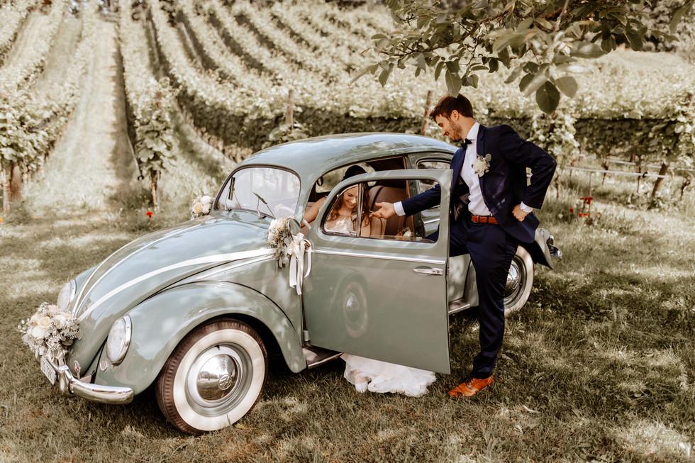 Brautpaarshooting beim Seeburghof mit Oldtimer VW Käfer 2