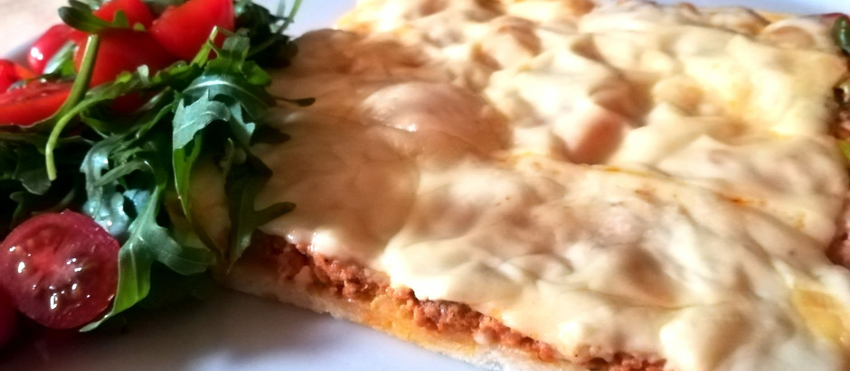 Hackfleisch-Käse Pizza
