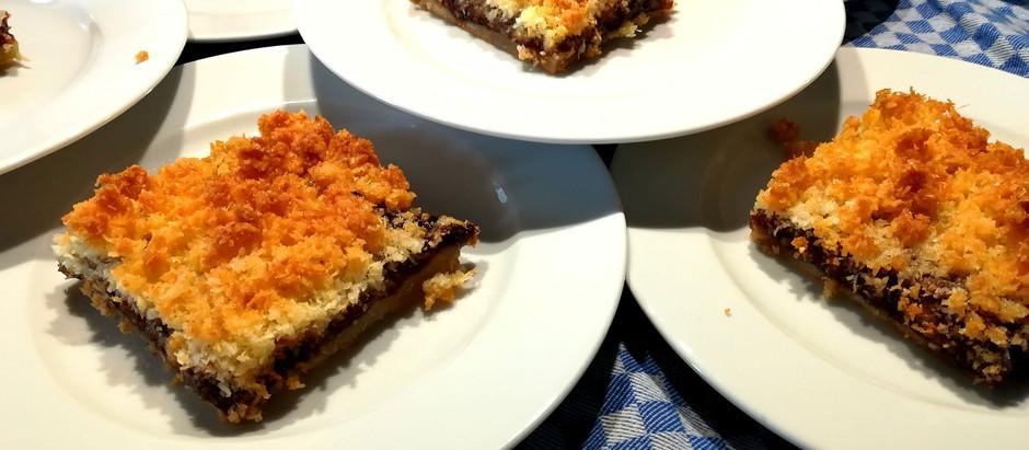 Kokos-Pflaumenmus Kuchen