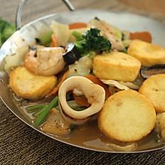 Sapo Tahu / Mix Vegetables Seafood with Egg Tofu