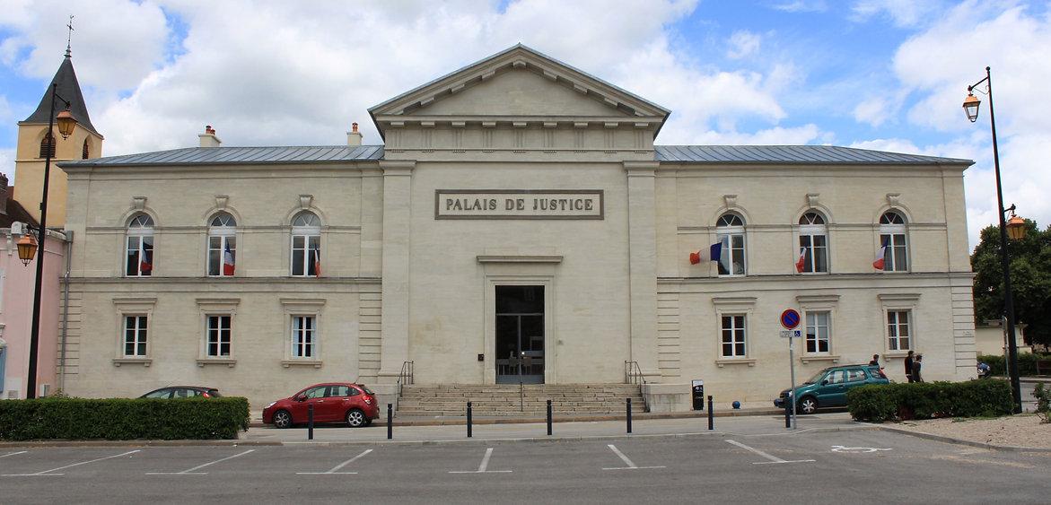 Lons-le-Saunier_-_Palais_de_justice_1.jpg