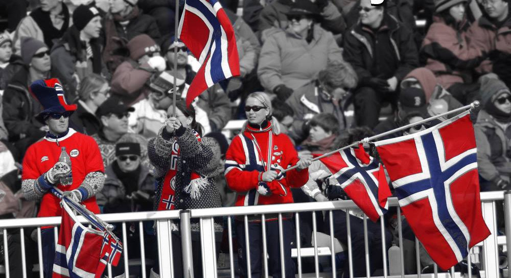 Crowd cheering the Norwegian Olympic team