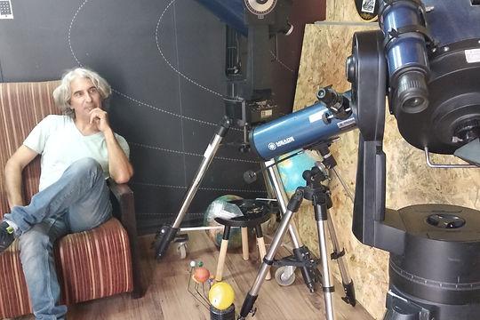 אבי וטלסקופים.jpeg