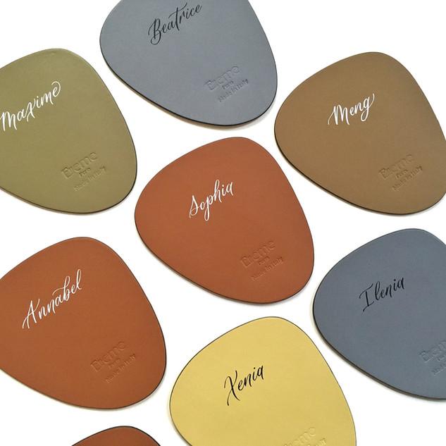 Calligraphie personnalisée sur cuir Pari