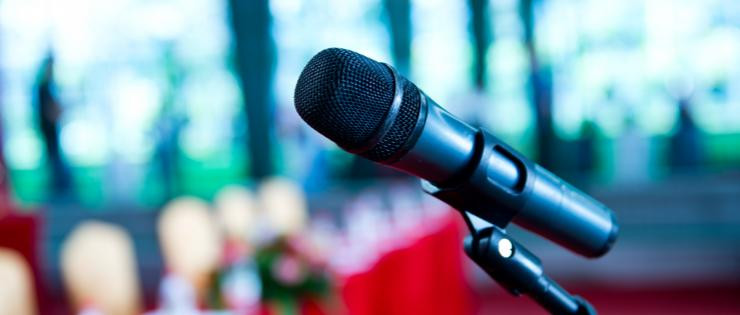 What's the best way to begin a speaking engagement