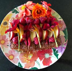 Summer kiwi and peach cake