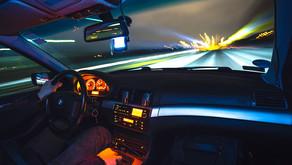 Zákaz billboardů u dálnic platí už dva roky, přesto tam jsou stále