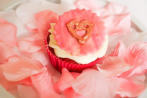 Sweet Heart Cupcake Box