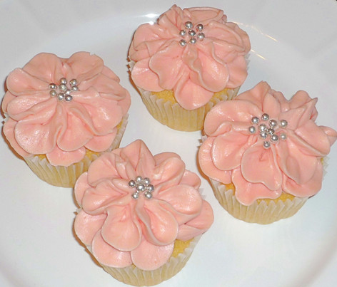 Buttercream Piped Flower Cupcakes