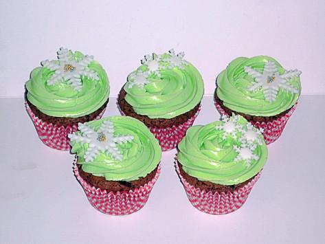 Mint Chocolate Snowflakes Cupcakes