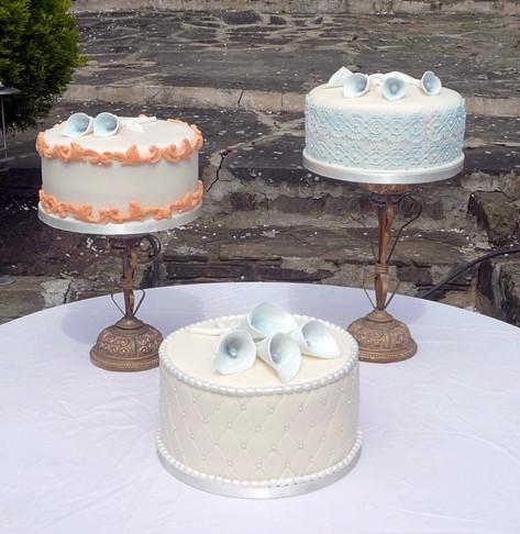 Calla Lillies Wedding Cake Trio
