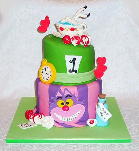 Alice in Wonderland Teacup Cake