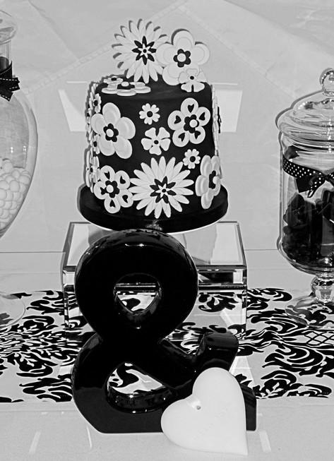 Black and White mini Wedding Cake