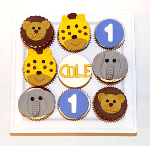 Cole's Safari animals cupcakes