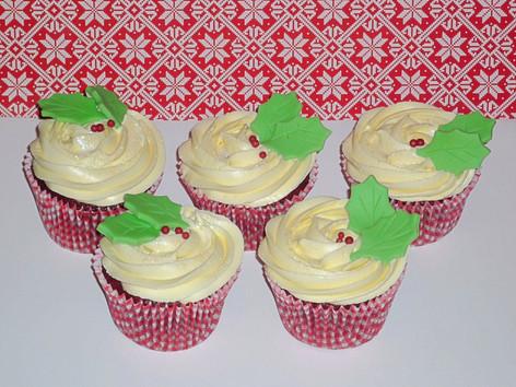 Chirstmas Holly Cupcakes