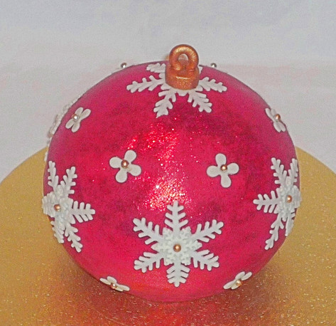 Red Christmas bauble cake