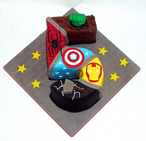 Marvel Superheroes 5 cake