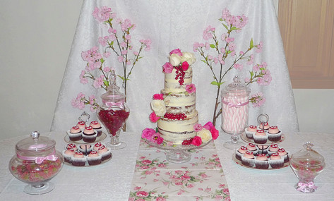 Engagement cakescape cupcake table