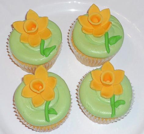 Daffodil Cupcakes