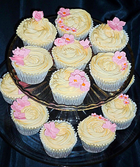 Vintage inspired Pretty Cupcakes