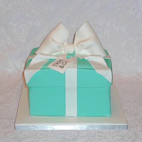 Tiffany Birithday Present Cake