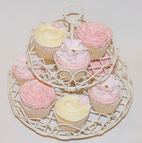 Pretty in Pink Cupcakes