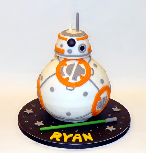 Sphero BB8 Droid birthday cake