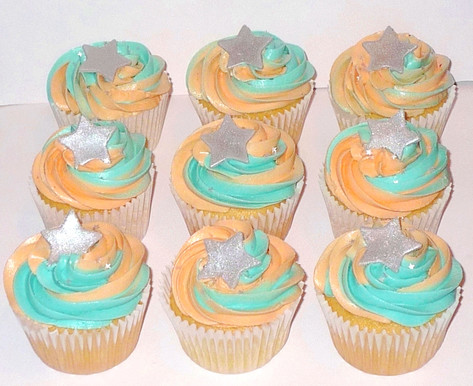 Two-Tone Coral and Turquoise Cupcakes