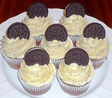 Cookies and Cream Oreo Cupcakes
