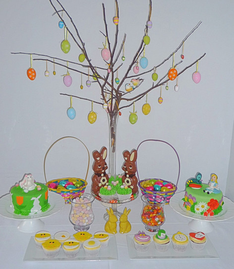 Easter cake table