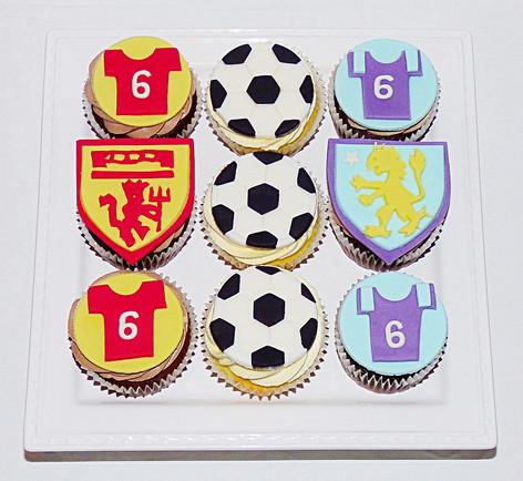 Man United v Aston Villa Football Cupcakes