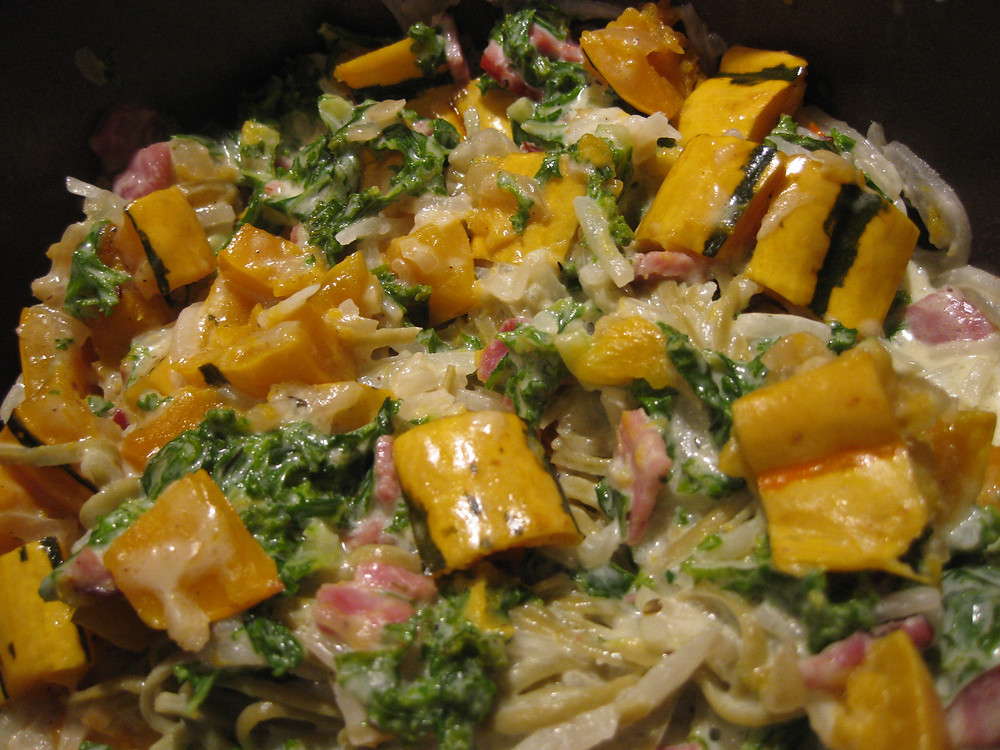 Pasta with Roasted Delicata Squash and Kale-Alfredo Pasta Sauce