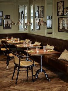 Eugen21 Restaurant_Corner (2).jpg