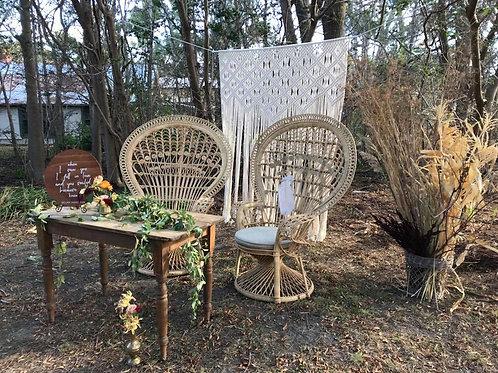 Grand peacock chair